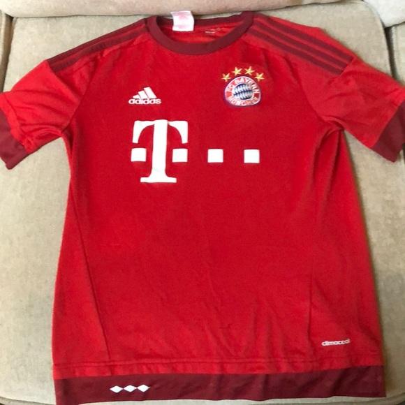 pretty nice afc0e f2d75 FC Bayern Munchen Jersey